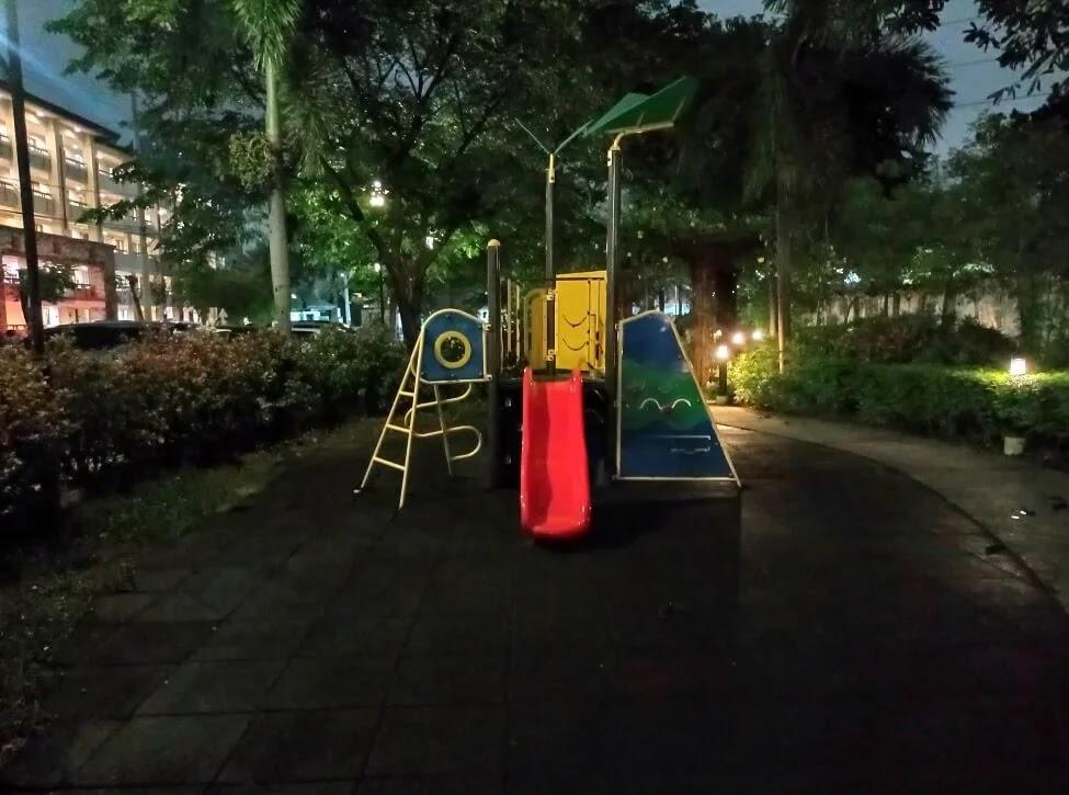 realme C25s Camera Sample - Playground, Night