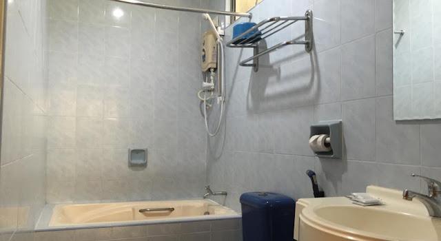 Teluk Batik Holiday Apartment Perak