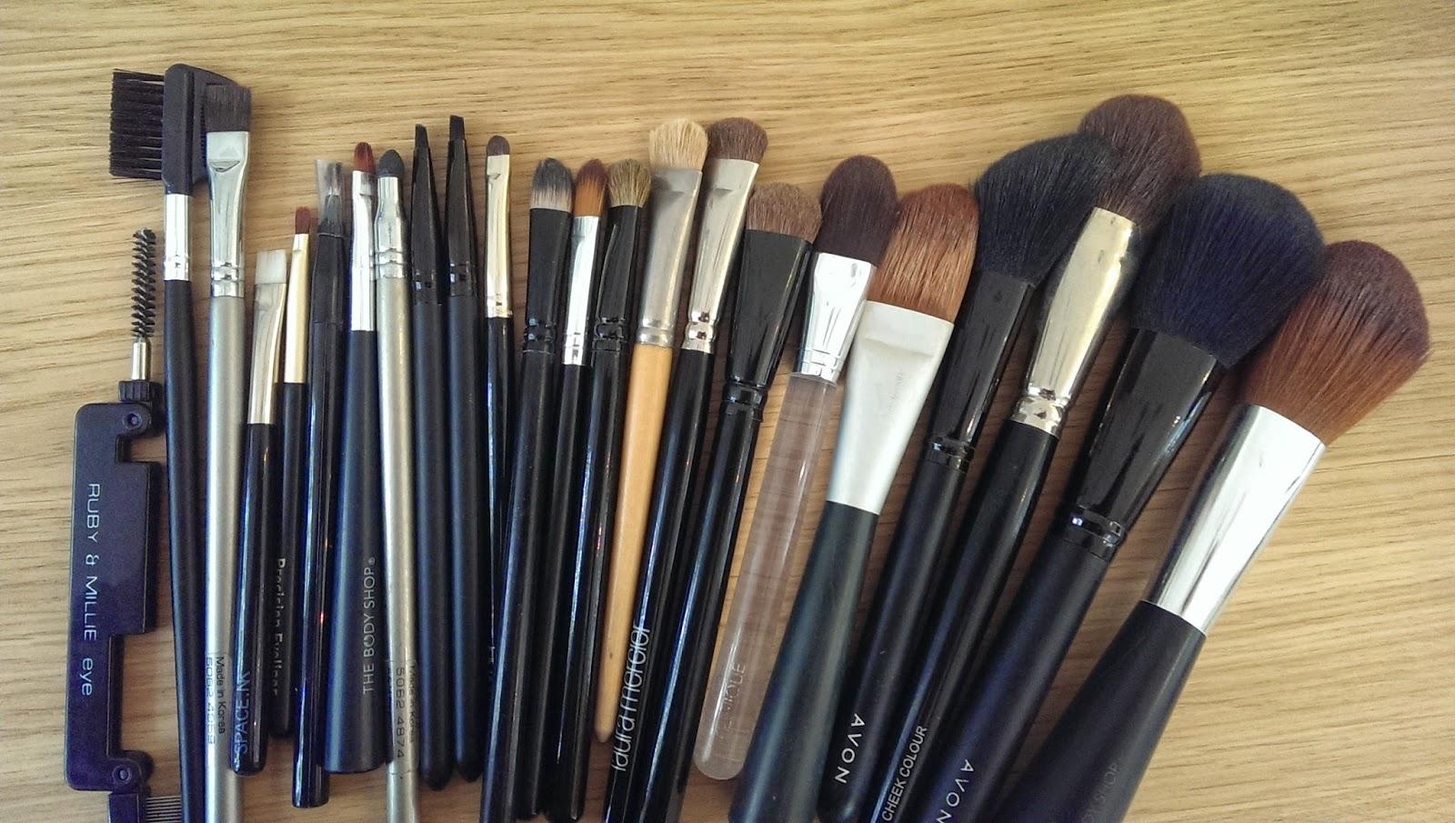 Bella Forcella: Make Up Brush 101