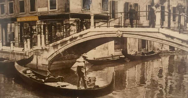 Chiude Testolini, dal 1911 la cartoleria di Venezia - foto storica della sede in Bacino Orseolo