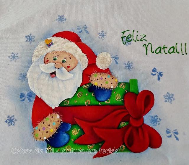 pintura tecido papai noel com caixa de presente com laço gigante