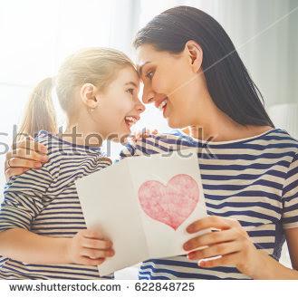Puisi: Menjadi Ibu