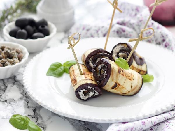 Involtini di melanzane leggeri alle erbe aromatiche, capperi e olive