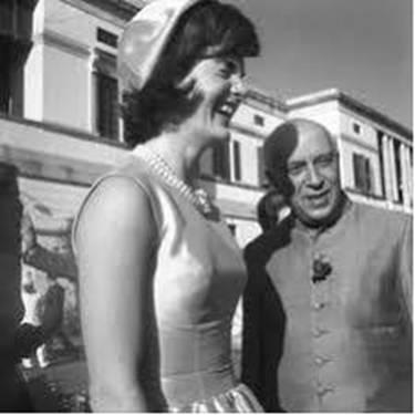 Schwanger mit Aktfoto von Indira Gandhi — foto 14