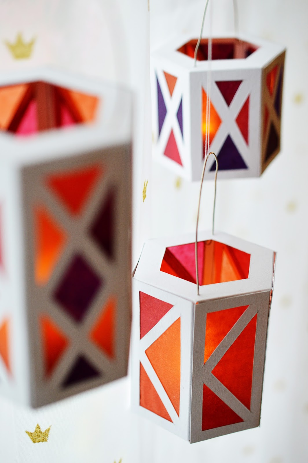 Christmas Craft Paper Lanterns