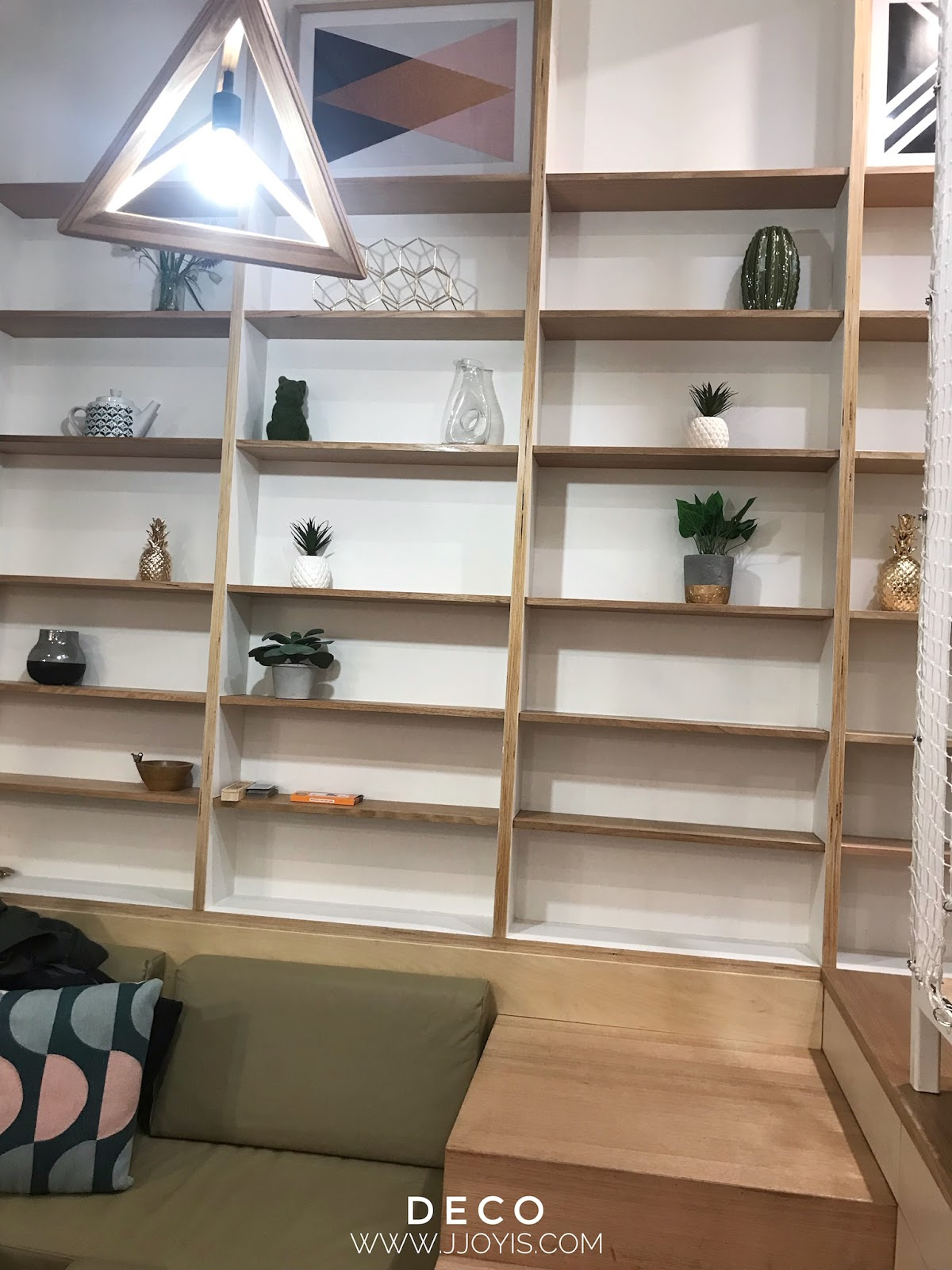 Airbnb for large groups (sleep 7) in Brisbane CBD deco