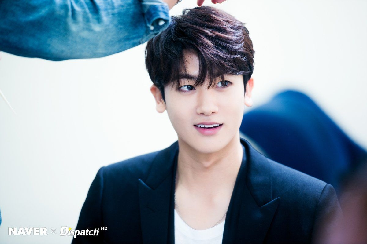 Park Hyung Sik Officially Completes Military Service Today