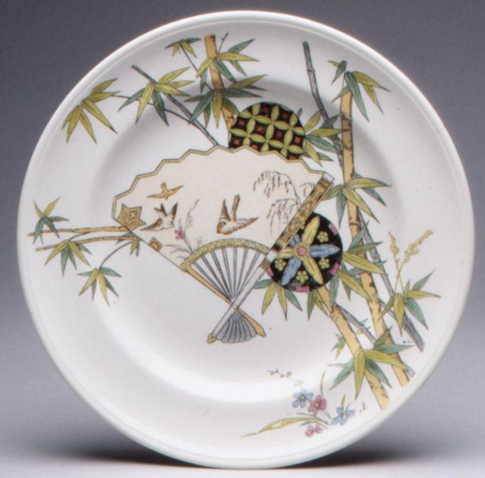 Тарелка с рисунком бамбук и вентилятор