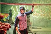 Aatadukundam Ra movie photos gallery-thumbnail-3