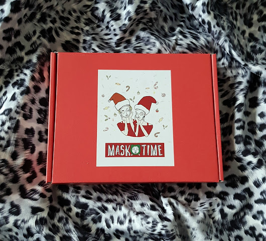 Visual Madness: Mask Time Holiday Limited Edition Box Review