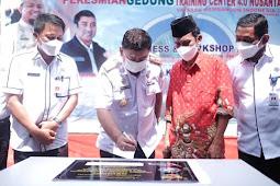 Abdul Hayat Gani Resmikan Gedung Training Center 0.4 Nusantara di Maros
