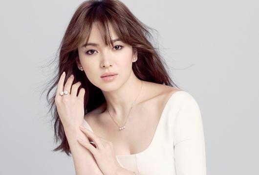 Jarang, Song Hye Kyo Akhirnya Posting Selfie Juga di Instagram