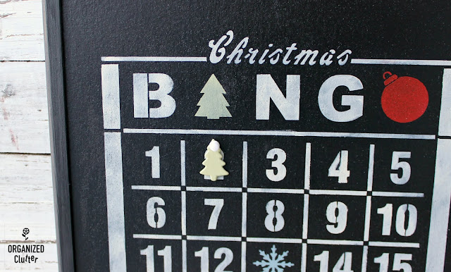 Bingo Edition Christmas Countdown Stenciled Corkboard #adventcalendar #oldsignstencils #stencil #rusticChristmas #bingocard #Christmasdecor