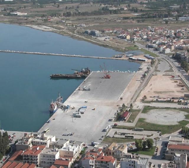 Καθαρισμός της χερσαίας ζώνης στο λιμάνι του Ναυπλίου