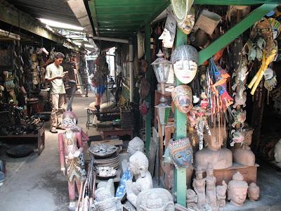 Pasar Triwindu, Tempat Asik Mencari Barang Antik