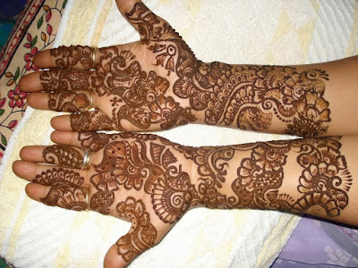 Latest-&-stunning-punjabi-mehendi-designs-2017-for-girls-17