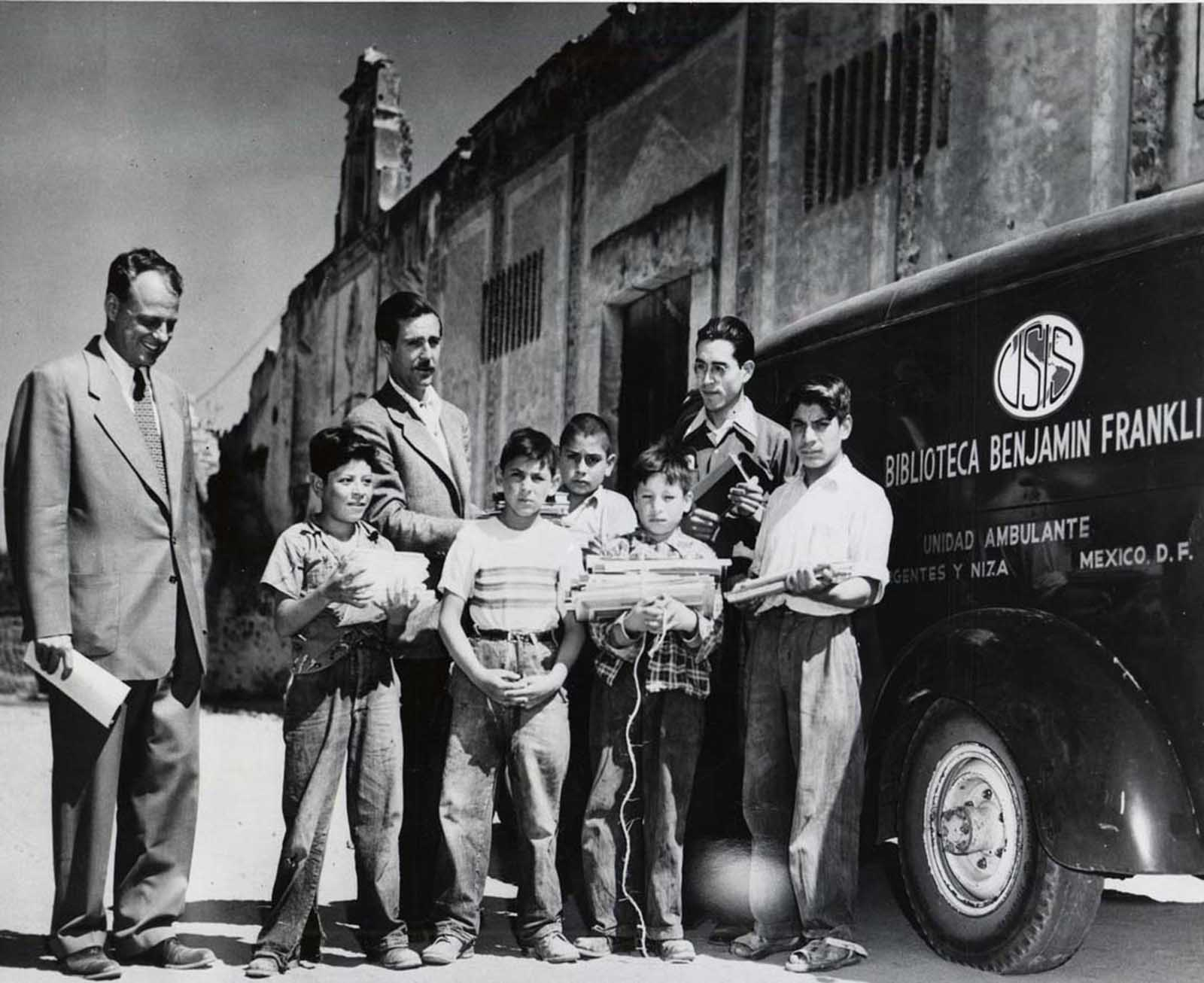The Benjamin Franklin bookmobile, Mexico City, 1953.