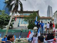 Polemik Natuna, Ketum DPP KNPI Injak Bendera RRC