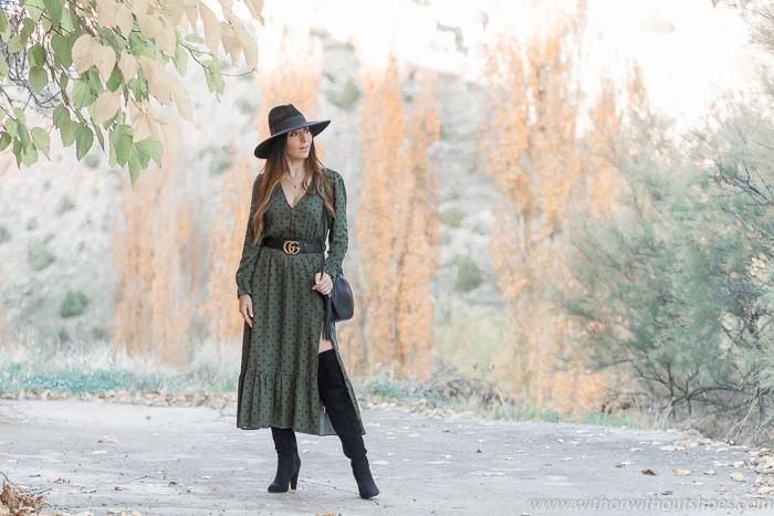 Look con Vestido midi lunares de Zara y botas altas XL, la combinación perfecta