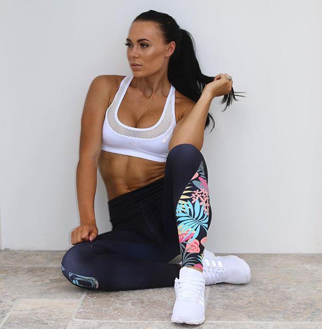 Fitness Model SHANNAH BAKER @shannahbaker Instagram photos