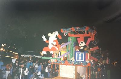 Santa Goofy Disney Christmas Parade