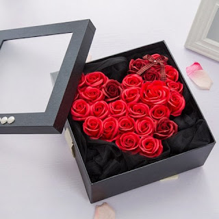 https://www.rosegal.com/artificial-flowers/roses-heart-valentine-s-day-gift-soap-flowers-with-box-1751979.html?lkid=12812182