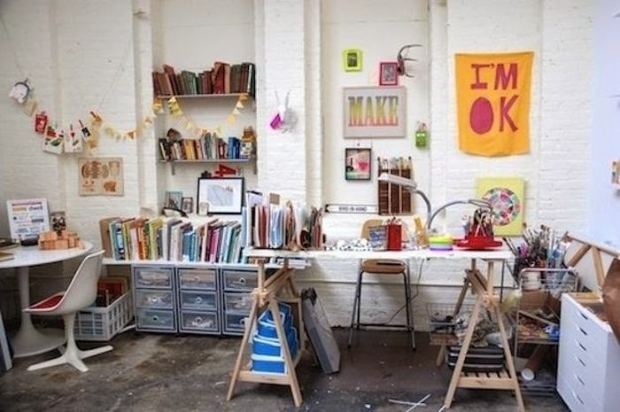 Workspaces Of The Greatest Artists Of The World (38 Pictures) - Lisa Congdon, illustrator