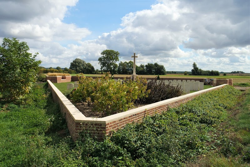 Ten Small Cemeteries not to Miss on the Western Front #BattlefieldTopTen