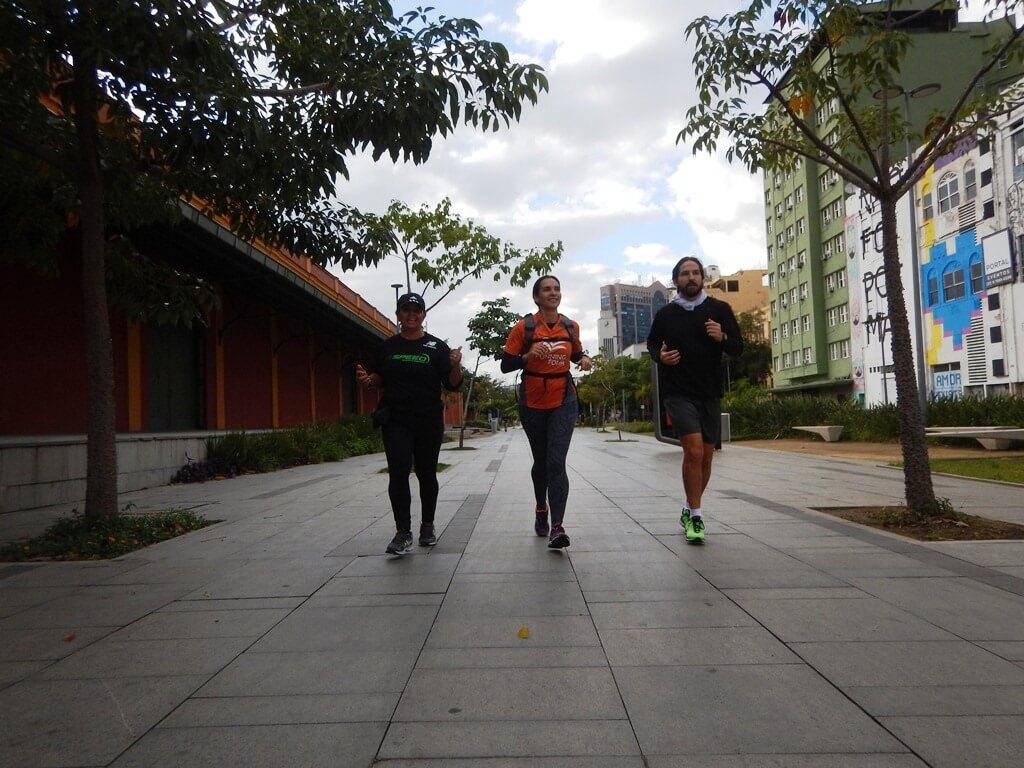 correndo pelo boulevard olímpico