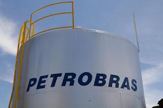 http://vnoticia.com.br/noticia/4319-petroleiros-iniciam-greve-petrobras-quer-garantir-abastecimento