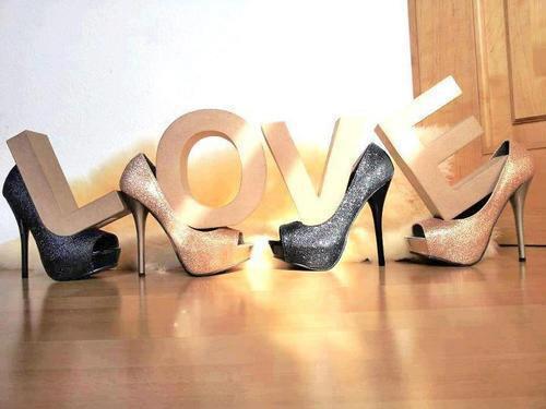 2b1387bb4c Llamativos zapatos de mujer para fiesta