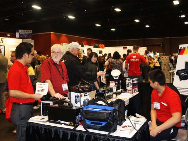 Day 1 of WPPI exhibit - Innovatronix