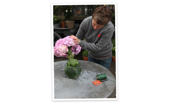 6 dicas de como fazer pequenos arranjos florais. Blog Achados de Decoração