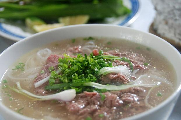 Why is famous Vietnamese PHỞ ?