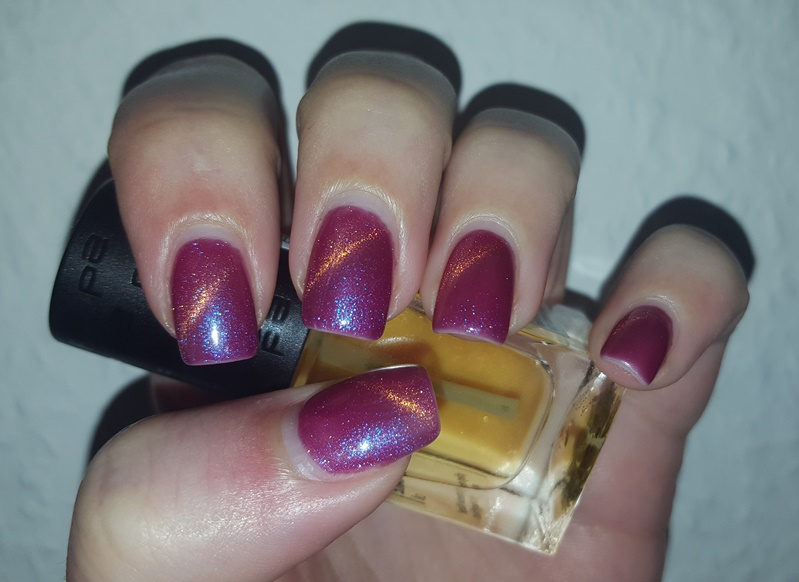 Feel The Beauty Inside Nageldesign Katzenauge Magnetlack Pink Orange Mit Blauem Glitzer
