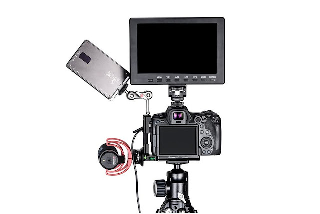 Sunwayfoto PCLO-R5 accessories attached