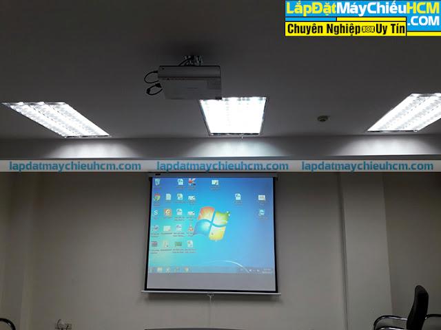 Lắp đặt máy chiếu Sony cũ cho phòng họp nhỏ tại TpHCM