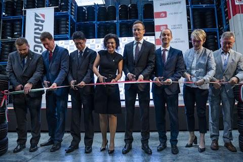 Szijjártó: száz munkahelyet hozott létre a Bridgestone Tatabányán