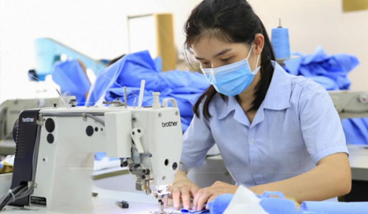 Tìm hiểu về máy may và máy vắt sổ công nghiệp may quần áo năng suất cao