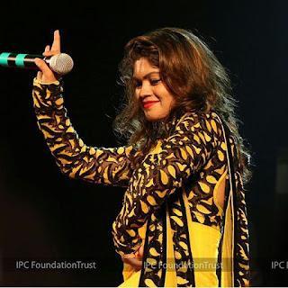 nisha dubey singer