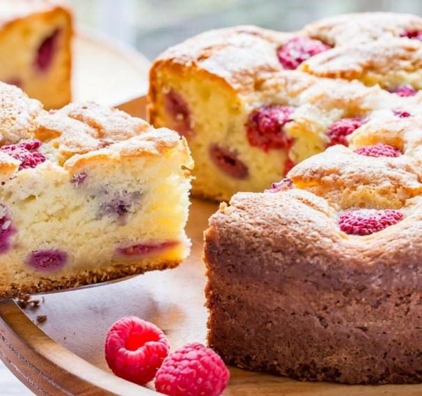 Raspberry Ricotta Breakfast Cake #desserts #berryrecipe