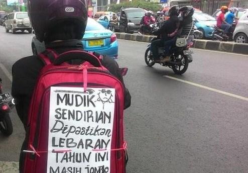 Keunikan Pengendara Bermotor Indonesia