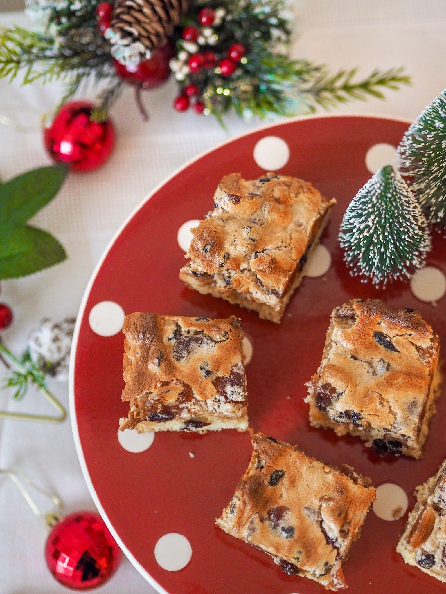 Mince Pie Shortcake Bites, Food Blogger, Katie Kirk Loves, UK Blogger, Christmas Recipe, Christmas Baking, Homemade Christmas Gifts, Home Baking, UK Baking Blog, UK Recipe