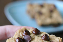 Gluten free CHOCOLATE CHIP COOKIE BARS #glutenfree
