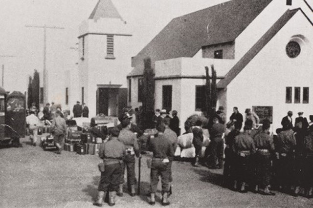 Evacuations of internees in California on 30 April 1942 worldwartwo.filminspector.com