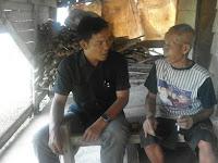 Hidup Sebatangkara, Kakek Renta Ini Tinggal di Gubuk Reot