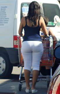 Morena madura caderona pantalon