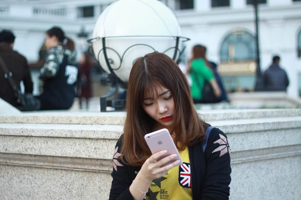 58-persen-wanita-muda-menghadapi-pelecehan-online