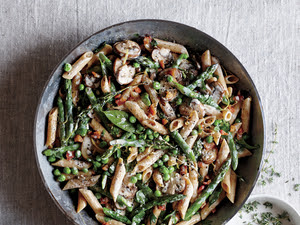 Creamy Penne with Asparagus, Peas, Mushroom and Pancetta (Kid Friendly Collection)