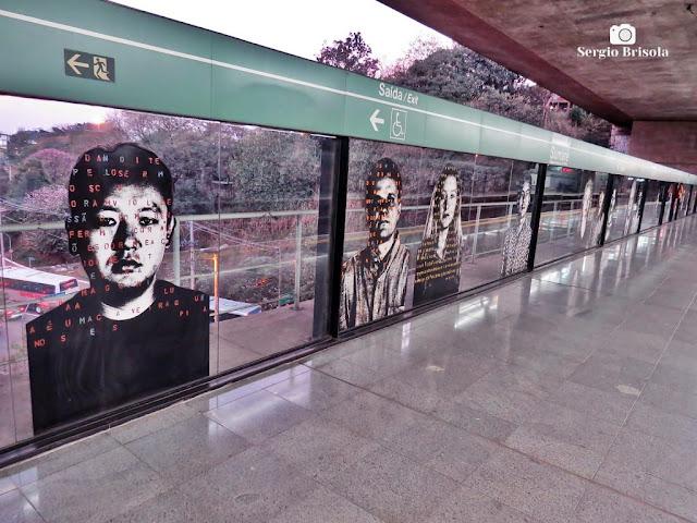 Perspectiva lateral dos Painéis Estação Metrô Sumaré - Sumaré - São Paulo